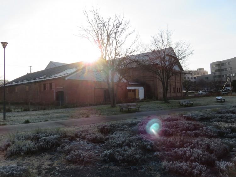 吉野町緑地化公園にある吉井酒造煉瓦(れんが)倉庫