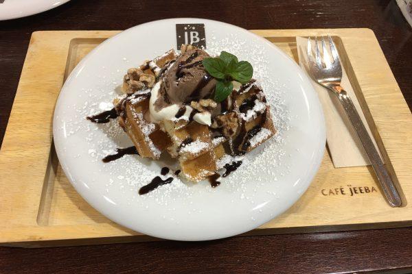 ワッフルが美味しい!弘前のおしゃれなカフェ・ジーバ(CAFE JEEBA)