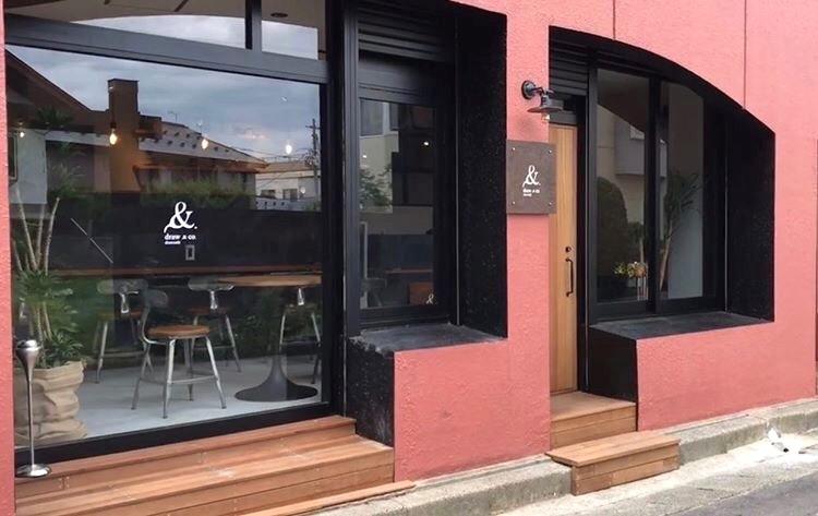 弘前のカフェ併設サロン「draw&co」