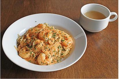 弘前PastaYaのエビのトマトクリームです。