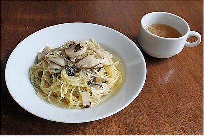弘前PastaYaの帆立の和風です。