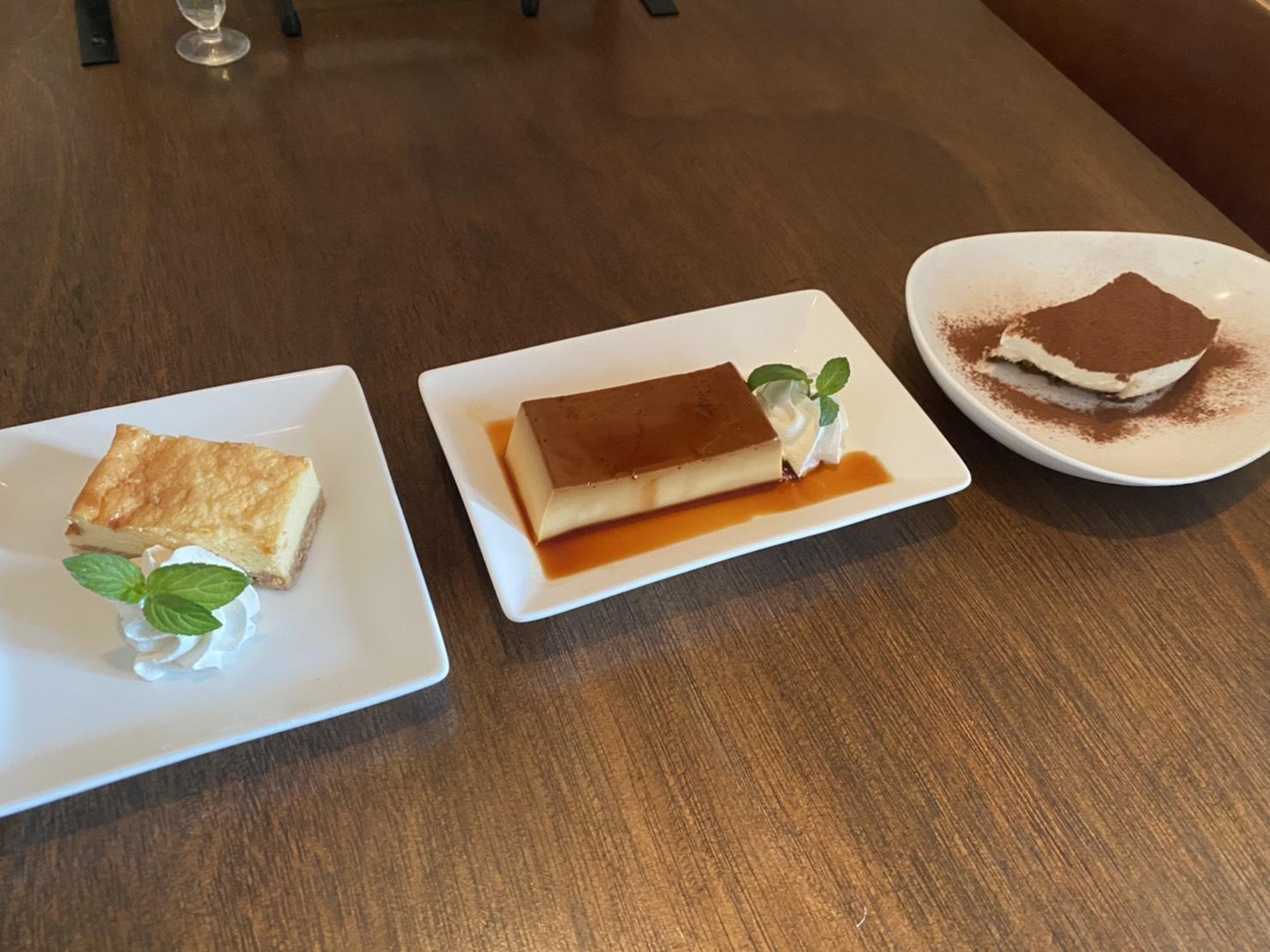 弘前PastaYaの100円デザートです。